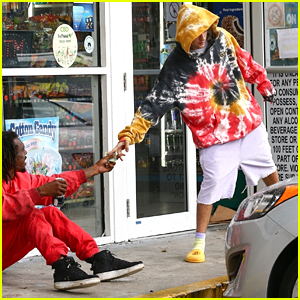 Justin Bieber Gives Some Money To Homeless Man While Making Store Run in Miami