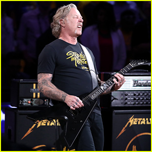 Metallica Performs Heavy Metal Version of 'The Star Spangled