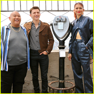 Zendaya Joins Tom Holland Jacob Batalon For Empire State Building