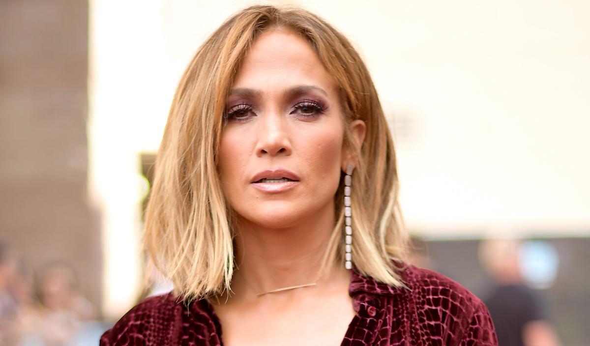 Jennifer Lopez Gave Th...