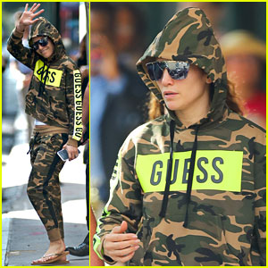 Jennifer Lopez Rocks Camo-Print Sweat Outfit En Route to Her Concert in New Jersey