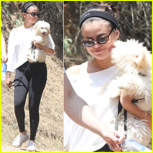 Selena Gomez Goes For a Hike With Her New Puppy & Friends!