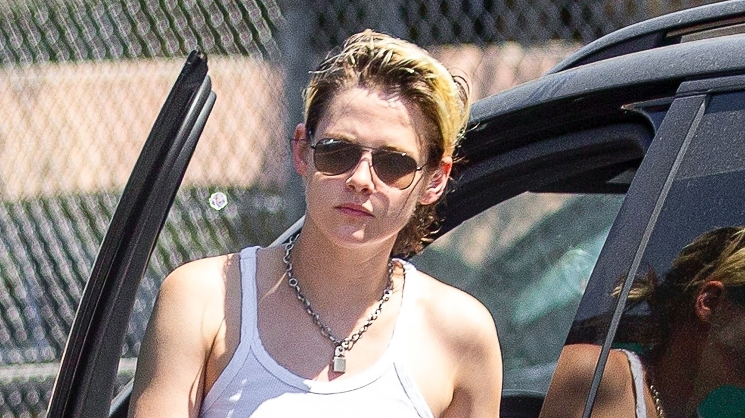 kristen stewart steps out in l a  after kissing writer