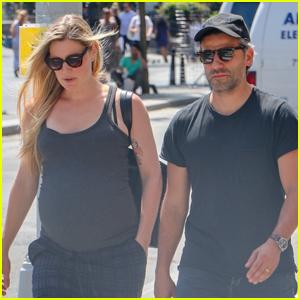Oscar Isaac & Pregnant Wife Elvira Lind Enjoy a Stroll in NYC