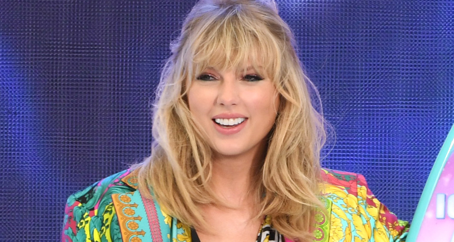 Taylor Swift Sends Fan Over $4,000 to Pay College Tuition Debt!