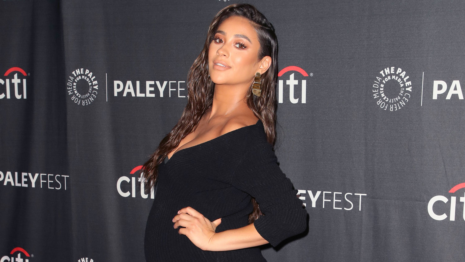 Pregnant Shay Mitchell Looks So Fierce While Flaunting Growing Baby Bump at ?Dollface? Event!