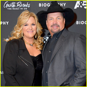 Garth Brooks & Trisha Yearwood Celebrate His Upcoming Biography Series!