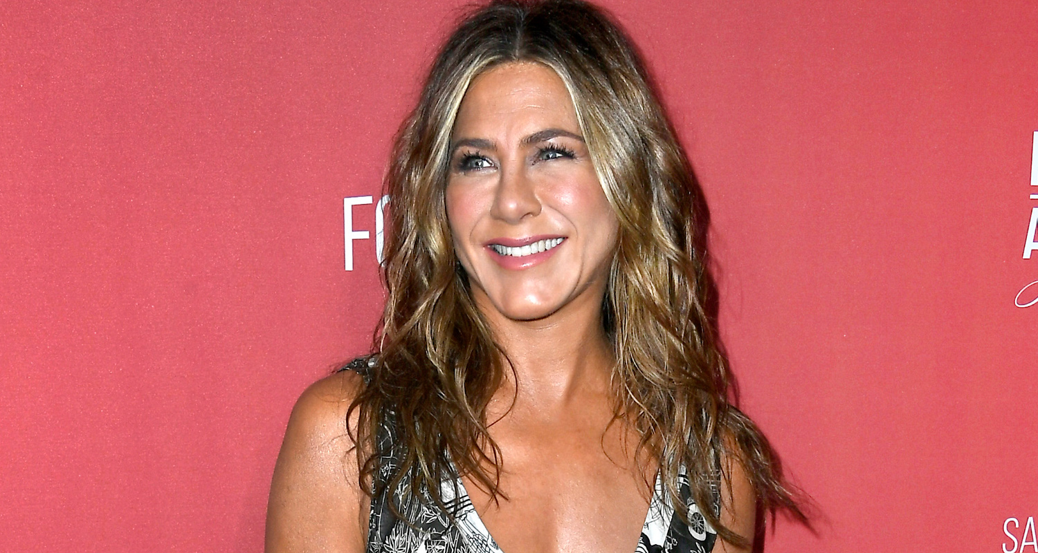 Jennifer Aniston Gets Trolled By Friends After Hitting 20 Million Followers on Instagram