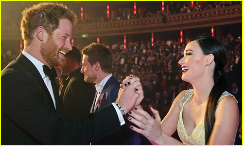 Kacey Musgraves Talks About Breaking Royal Protocol & High Fiving Prince Harry