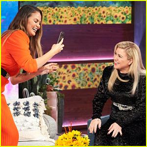 Kelly Clarkson & Chrissy Teigen Talk 'Baby, It's Cold Outside' Controversy (Video)