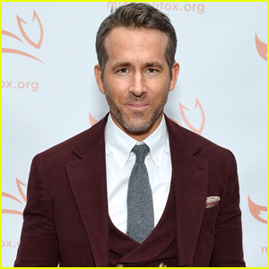 Ryan Reynolds Looks Sharp at