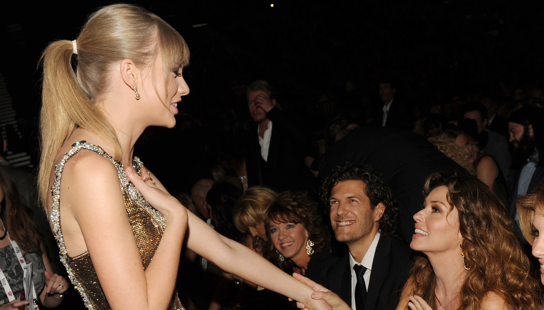Shania Twain Speaks on Taylor Swift Controversy Ahead of AMAs 2019