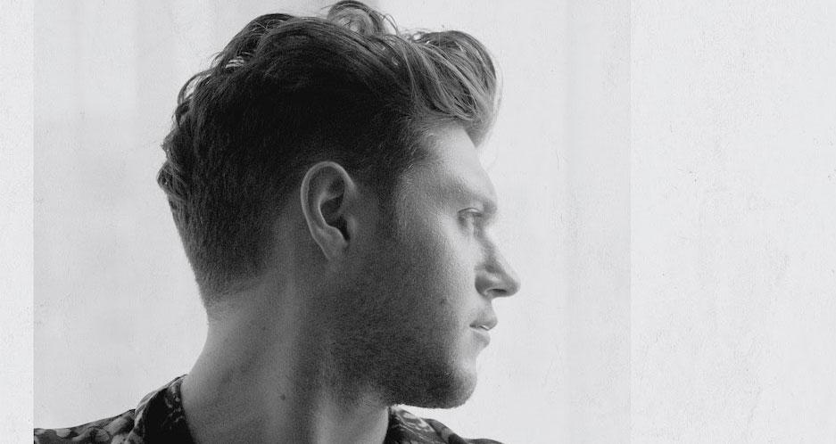 Niall Horan S Put A Little Love On Me Read Lyrics Watch Video Now First Listen Lyrics Music Music Video Niall Horan Video Just Jared