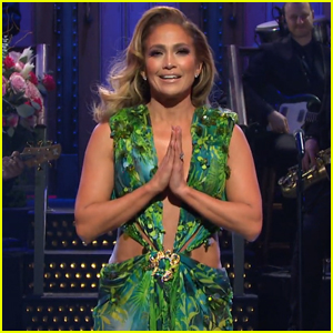 Jennifer Lopez Re-Wears Iconic Green Versace Dress for 'SNL' Monologue - Watch!