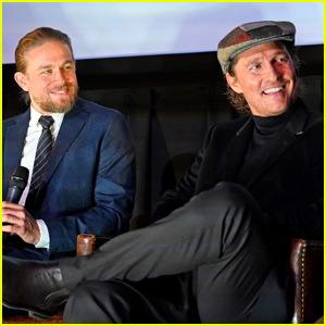 Charlie Hunnam & Matthew McConaughey Buddy Up for 'The Gentlemen' Screening