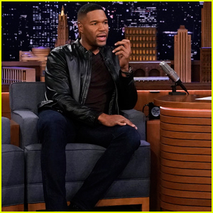 Michael Strahan Pays Tribute To Kobe Bryant on 'Fallon' & Reveals Giants Will Retire His Jersey Number!