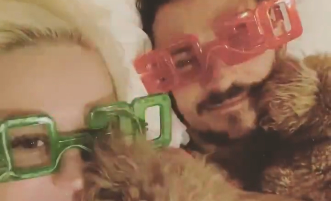 Katy Perry Celebrates New Year's Eve in Bed with Orlando Bloom & Their Dogs!