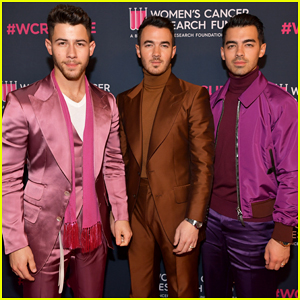 Jonas Brothers Bring The Color To Women's Cancer Research Fund's An Unforgettable Evening!