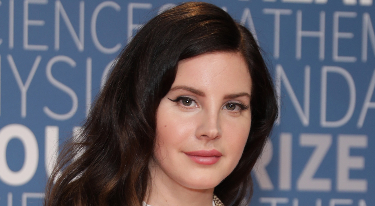 Lana Del Rey Cancels European Tour Dates After Losing Singing Voice Completely