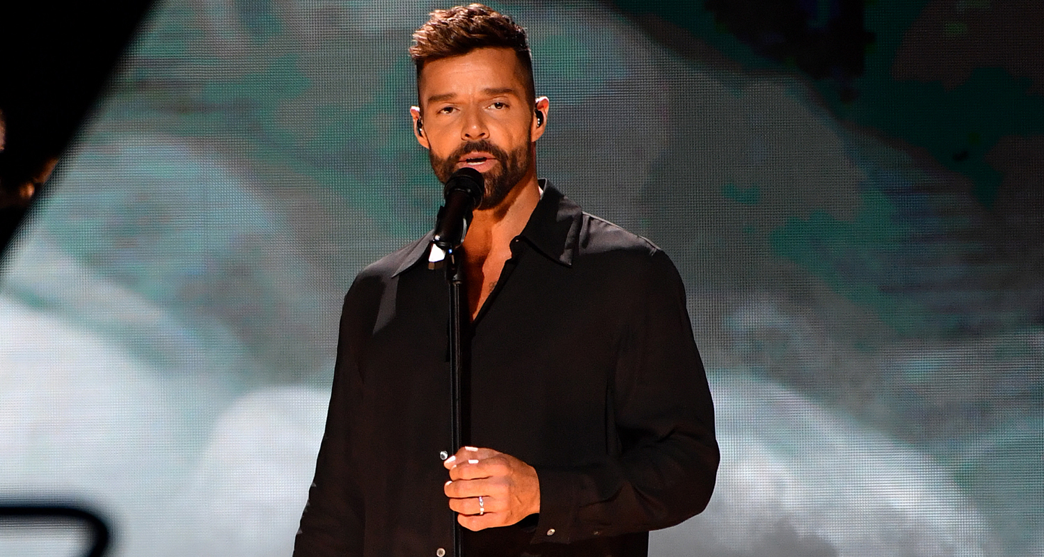 Ricky Martin Gives 'Tiburones' Performance at Univision's Premio Lo Nuestro 2020 – Watch Here!
