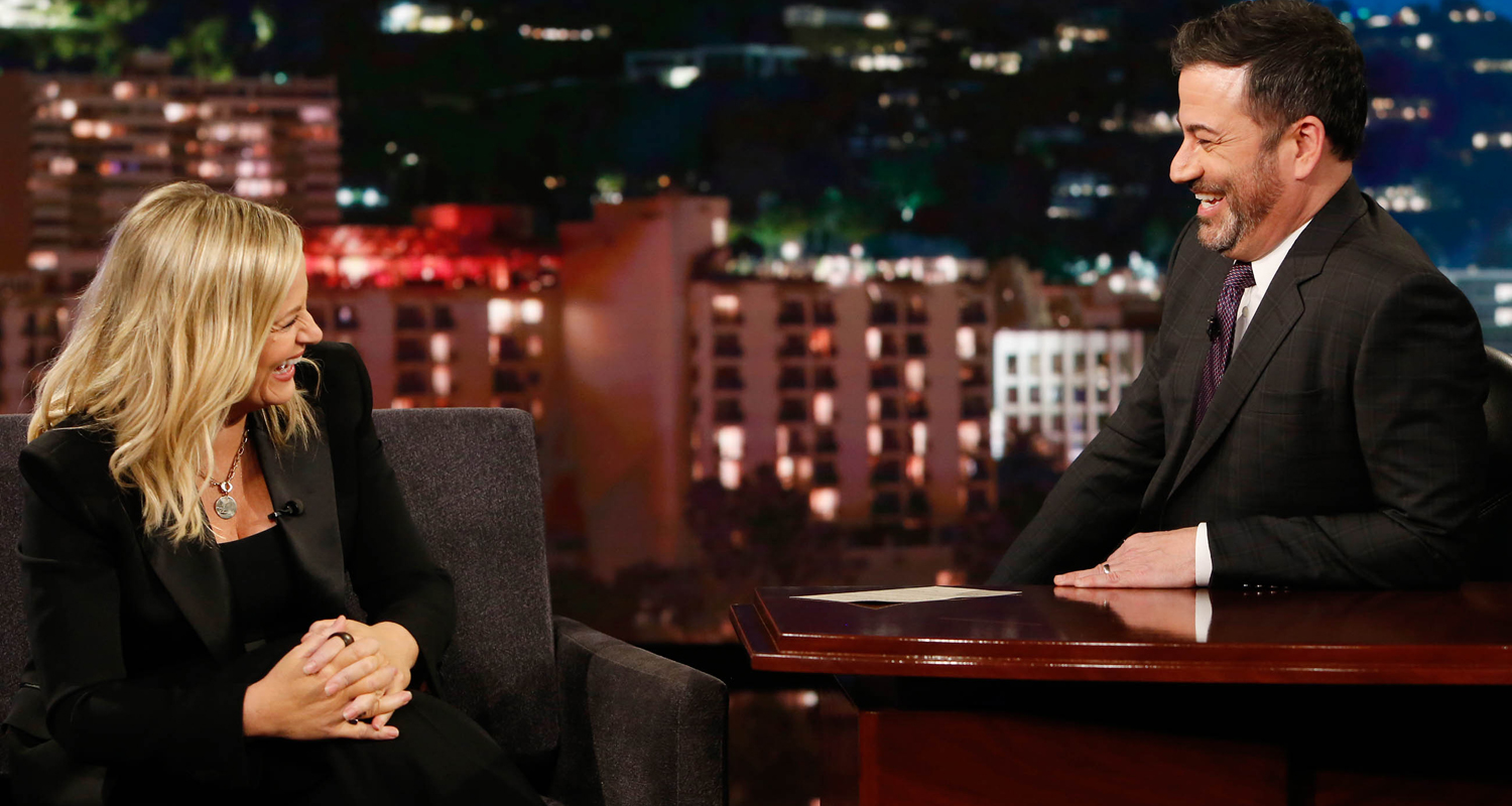 Amy Poehler Studied Teenagers At The Mall & This Is What She Learned (Video)!