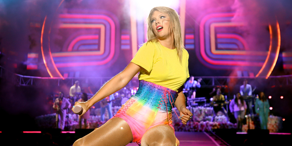 Taylor Swift Puts Former Record Label On Blast For Releasing Old Album Of Live Performances They Need Money Music Taylor Swift Just Jared