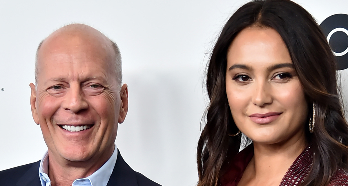 Bruce Willis' Wife's Comment on His Quarantine Photo with ...