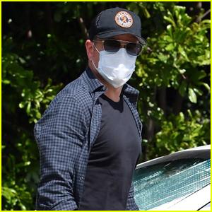 Matt Damon Heads Home at Visiting Pal Ben Affleck
