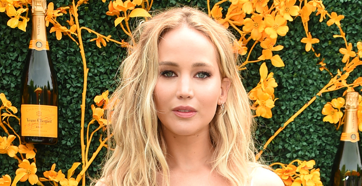 Jennifer Lawrence Joins Twitter, Speaks Out About Racial ...