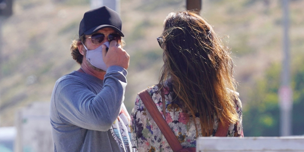 Gerard Butler Chats With Girlfriend Morgan Brown After Picking Up Food To Go