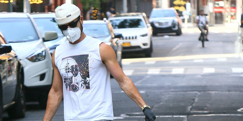 Justin Theroux Looks Buff While Taking His Dog Kuma for a Walk