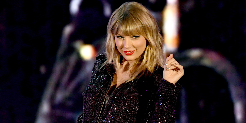Taylor Swift Ties With Whitney Houston For Most Weeks At No 1 In Billboard 200 History Billboard Music Taylor Swift Just Jared