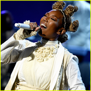 Brandy Performs Medley of New Songs at Billboard Music Awards 2020 - Watch!