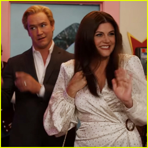Zack Morris and Kelly Kapowski Are Back In New 'Saved By The Bell' Trailer
