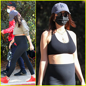 Pregnant Emily Ratajkowski Shows Off Growing Baby Bump in Leggings During Thanksgiving Hike
