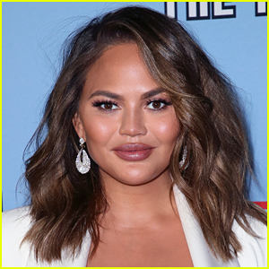 Chrissy Teigen Is Currently Missing a Tooth & There Are Photos!