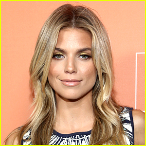AnnaLynne McCord Says She Was Diagnosed with Dissociative Identity Disorder