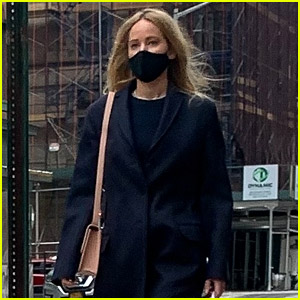 Jennifer Lawrence Spotted on Solo Outing in New York City